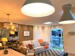 Lindíssimo apartamento com sacada, mobiliado e decorado pertinho de toda a infra estrutura