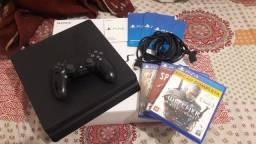 Playstation 4 slim 500 gb + 2 controles e 3 jogos