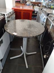 Mesa (sem cadeira) redonda granito 60x74cm usada