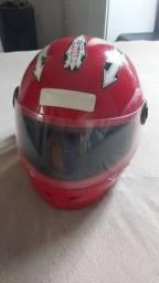 Título do anúncio: Vendo capacete infantil