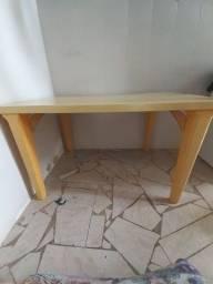 Vende uma Mesa