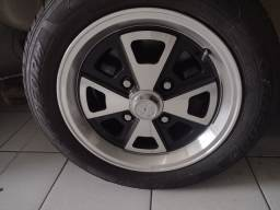 Roda Fusca modelo Porsche aro 15 com pneus