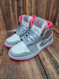 Basqueteira Nike Air  Jordan Cinza/Pink
