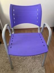 Cadeira roxa para escritório