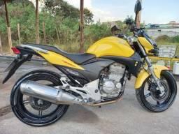 Moto cb 300R toda revisada..