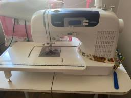 Máquina de Costura Brother CS 6000i 127v Usada