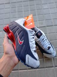 Título do anúncio: Tênis Nike Shox R4