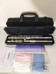Flauta transversal Yamaha YFL222