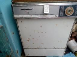 Máquina lava louça brastemp