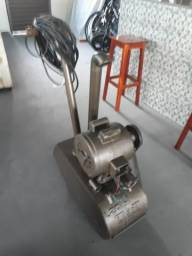 Máquina para lixar assoalhos