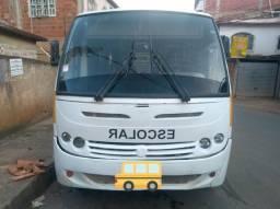 Micro ônibus Escolar / Mercedes 1215 - 2004