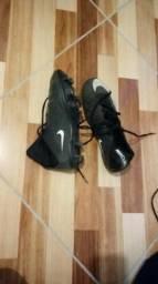 Chuteira Nike 42
