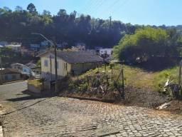Lotão de esquina no centro de Herval dOeste com 534 m² a 800 metros da prefeitura