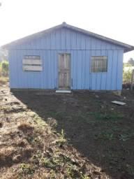 TORRO Terreno em Piraquara com Casa de madeira
