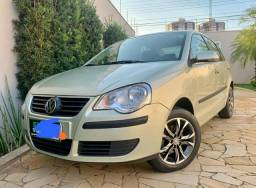 Polo Hatch 1.6 completo - 2009