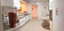 Título do anúncio: Apartamento Amplo - 3 Dorm/Suíte, Ampla Sacada e Duas Vagas de Garagem