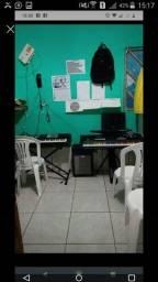 Aulas de teclado e violão