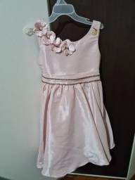 Vestido de festa rosa tam 4 anos. Usou 1 vez
