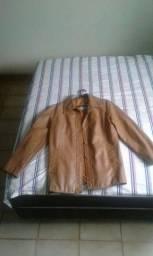 Jaqueta de couro usada