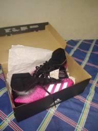 Chuteira Adidas nova