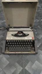 Título do anúncio: MÁQUINA DE DATILOGRAFIA OLIVETTI 1981