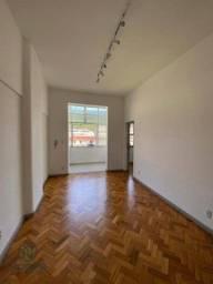 Título do anúncio: Apartamento com 1 dormitório para alugar, 30 m² por R$ 1.000,00/mês - Alto - Teresópolis/R
