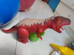 Título do anúncio: Dinossauro e kit brinquedos de praia