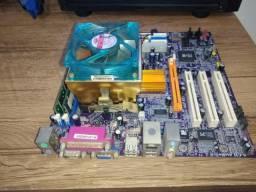 Placa mãe ddr400 + 512mb e processador