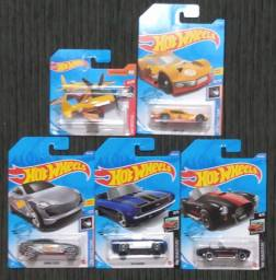 Kit - 05 Carrinhos Hot Wheels