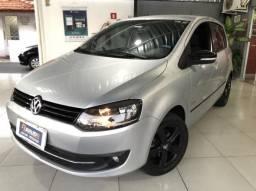 Volkswagen Fox SilverFox completo Flex 8V 5p 2012 serie especial