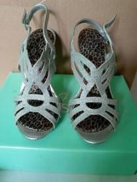 Sandália de salto fino prata Crystalis, tamanho 37.