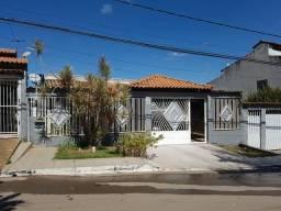 Casa de 3 Quartos, Avenida Floriano Peixoto Planaltina DF