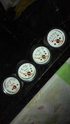 4 manômetros