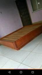 Vendo 150,00 cama 1,60 de largura