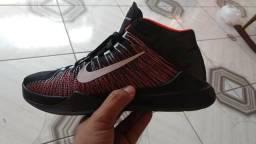 Basqueteira Nike 220,00