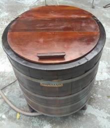 Máquina de lavar Muller de madeira antiga