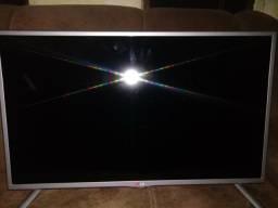 Vendo TV Led LG full HD 32 polegadas