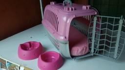 Caixa de transporte pra gato e potes para ração e água
