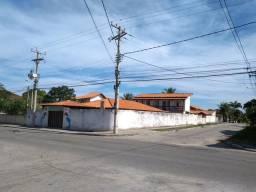 Casa e salão de festas no Boqueirão Saquarema