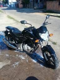 CB300R 2011 Preta - 2011
