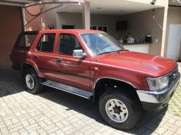 Toyota Hilux SW4 DLX 4x4 Diesel - 1995