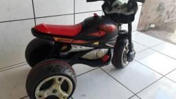 Moto elétrica GT infantil usada