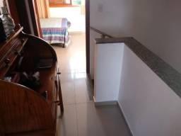 Sobrado com 2 dormitórios no São José em Canoas, ficam móveis planejados. Cód. 50626