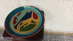 Peça de cerâmica,em perfeito estado,sem riscos,ou danos,