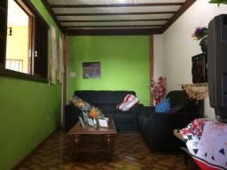 Casa - 2 quartos - garagem - ônibus na porta - com vista - Bairro da Glória