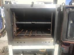 Vendo fogão Industrial e forno valores na descrição
