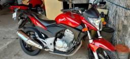 Título do anúncio: Vendo  ou troco por menor ou assumo dívida de moto maior cb 300 ano 2012