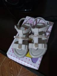 Sandália de couro menina tamanho 22
