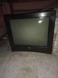 Vendo essa televisão LG turbo