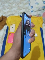 iPhone 11 trincado na trazeira